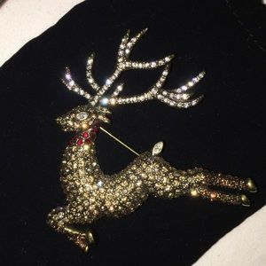 Heidi Daus Glitzen Crystal Swarovski Reindeer Pin